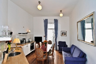 ☆ Welcoming Light Five bedroom apartment in Berlin