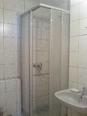 1133 -  Shower - Cubicle