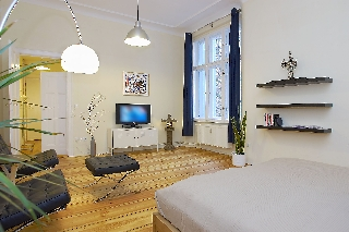 ferienwohnung berlin friedrichshain n ldnerplatz ostkreuz. Black Bedroom Furniture Sets. Home Design Ideas