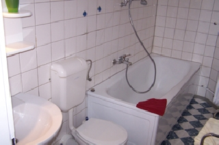 1482 -  Bathroom