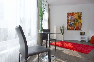 apartment berlin kudamm wittenbergplatz kadewe. Black Bedroom Furniture Sets. Home Design Ideas